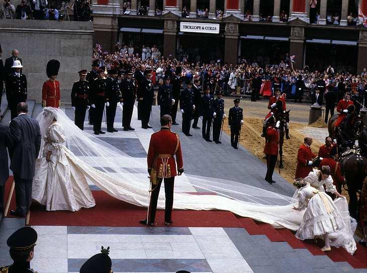 Das Brautkleid von Prinzessin Diana | Victoria, Kate Middleton & Co: