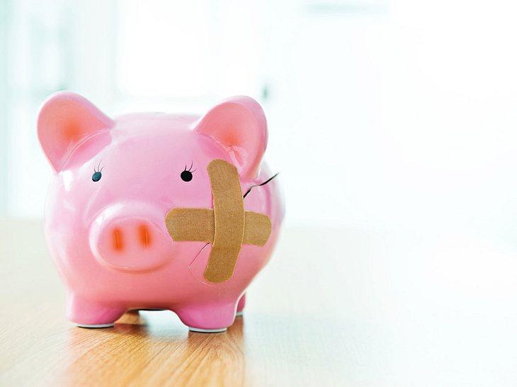 Mit der richtigen Versicherung 50 plus sind Sie gut abgesichert und sparen zugleich die Kosten für eine überflüssige Versicherung 50 plus.