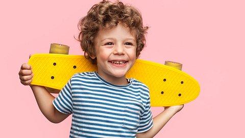 Die schönste Kinderkleidung - Foto: iStock/ max-kegfire