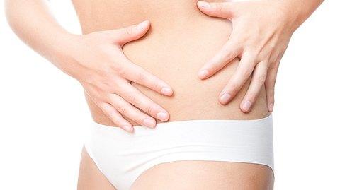 Die häufigsten Symptome einer Divertikulitis - Foto: Staras/iStock
