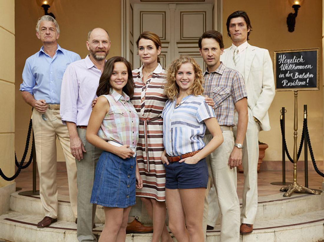 Dominic Raacke spielt in Honigfrauen einen Vater, der seine Tochter endlich kennenlernen möchte.