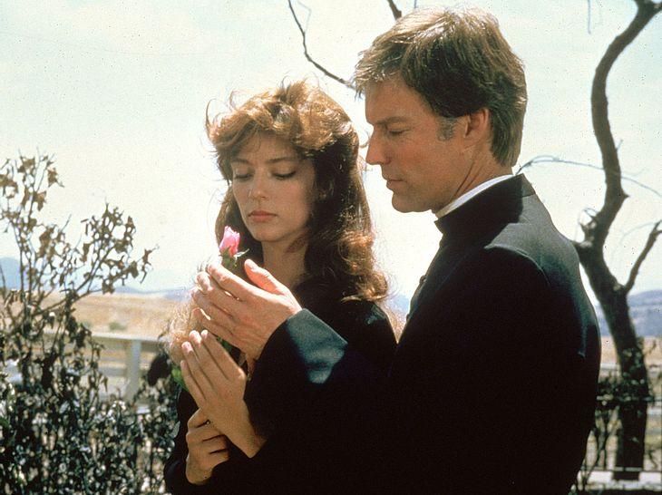 Rachel Ward und Richard Chamberlain in Die Dornenvögel.