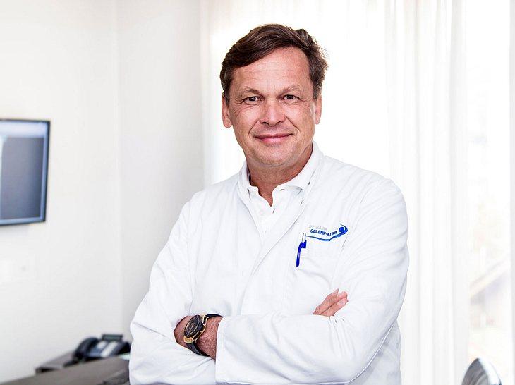 Dr. Baum ist Facharzt unter anderem für Osteoporose-Patienten