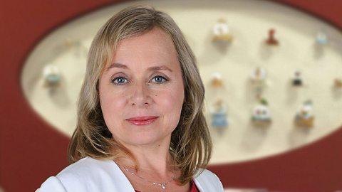 ChrisTine Urspruch als Dr. Valerie Klein. - Foto: ZDF / Marcus Fenchel