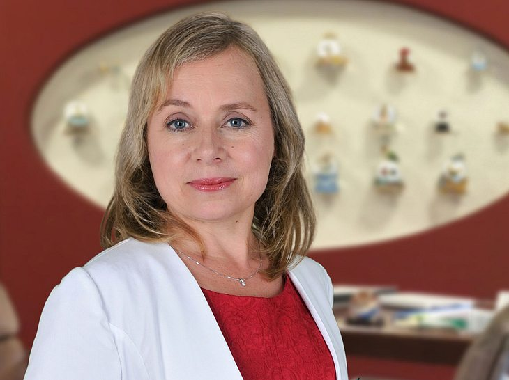 ChrisTine Urspruch als Dr. Valerie Klein.