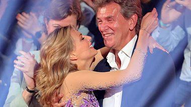 Sängerin Ella Endlich und ihr Vater Norbert haben ein inniges Verhältnis. - Foto: Andreas Rentz/Getty Images