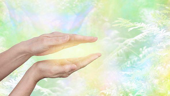 Mit Energiearbeit Körper, Geist & Seele in Einklang bringen
