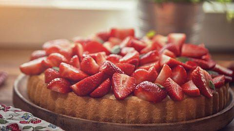 Wer kann schon einer Erdbeertorte mit Mascarpone widerstehen. - Foto: GMVozd / iStock