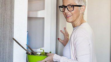 Ernährung in den Wechseljahren: Darauf sollten Sie achten - Foto: Vesna Andjic / iStock
