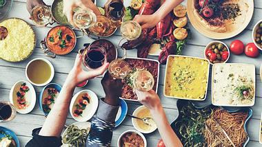Die größten Ernährungsmythen - Foto: Rawpixel / iStock