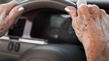 Gibt es bald Fahrtests für Senioren?