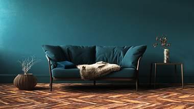 Farbige Wände im Wohnzimmer - Foto: iStock/Artjafara