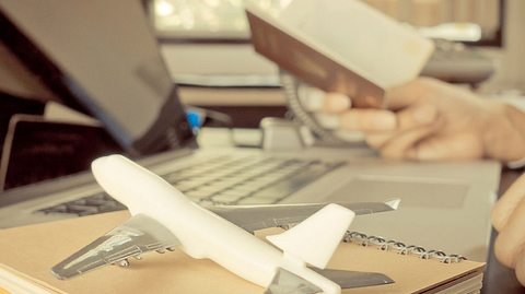 Preisanstieg bei Urlaubsflügen: So vermeiden Sie die Kostenfalle - Foto: junce / iStock