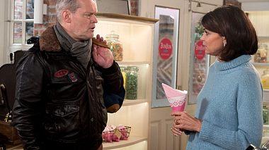 Zwischen Hilli und Frank kommt es erneut zum Streit. - Foto: ARD / Nicole Manthey