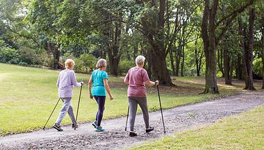Frauen walken  - Foto: alvarez / iStock