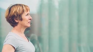 Warum Frauen über 50 Krisen besser meistern - Foto: AlenaPaulus / iStock