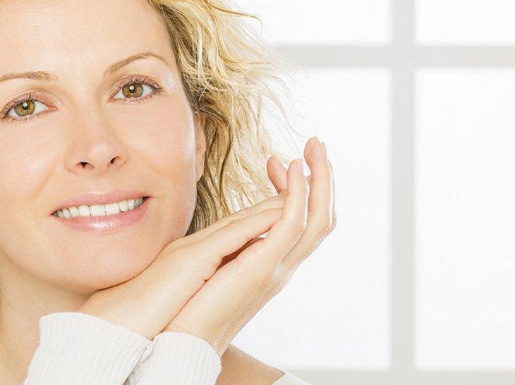 Mit Make-up-Tricks frischer aussehen