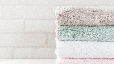 Frottee Handtücher sind weich und praktisch - Foto: iStock/Rimma_Bondarenko