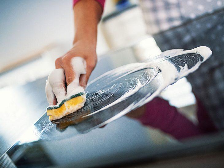 Der Frühjahrsputz macht auch vor Küchengeräten nicht Halt.