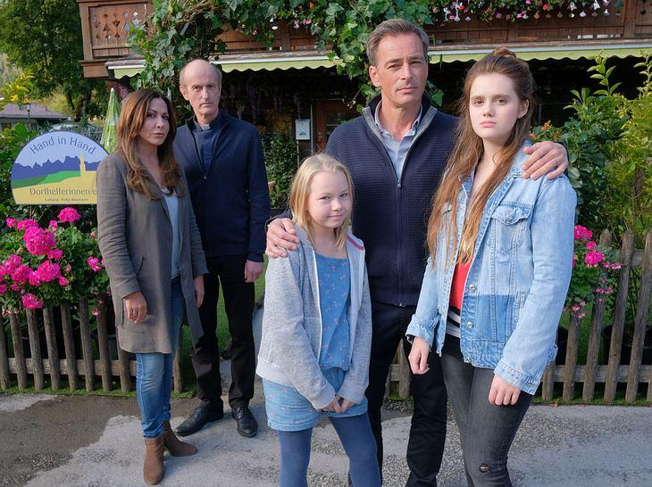 Familie Kleinke mit Katja und Pfarrer Sonnleitner