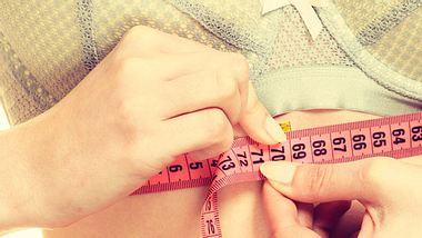 So finden Sie Ihre richtige BH-Größe. - Foto: Anetlanda / iStock