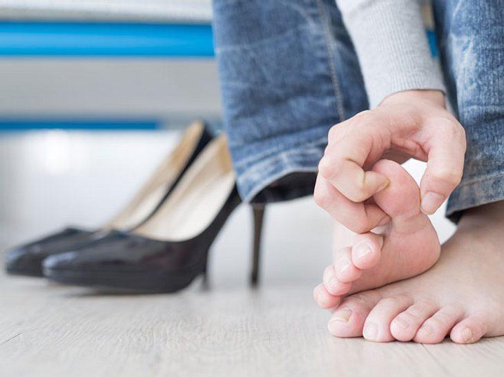 Fußpilz: Erkennen, behandeln, vorbeugen