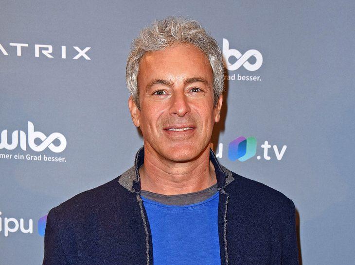 Gedeon Burkhard ist im Juli 2019 50 Jahre alt geworden.