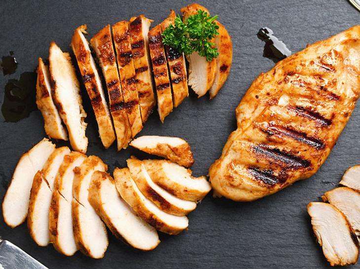 Geflügel-Diät: Wenig Fett und reichlich Eiweiß