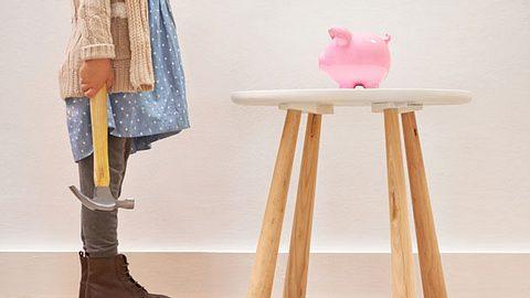 Mit unseren Tipps macht Geld sparen Spaß.  - Foto: PeopleImages / iStock