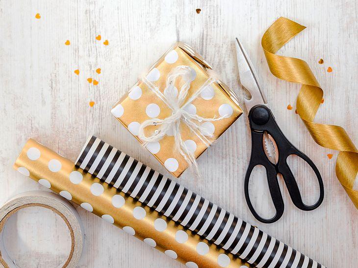 Wie Sie Geschenke einfach, aber originell einpacken.
