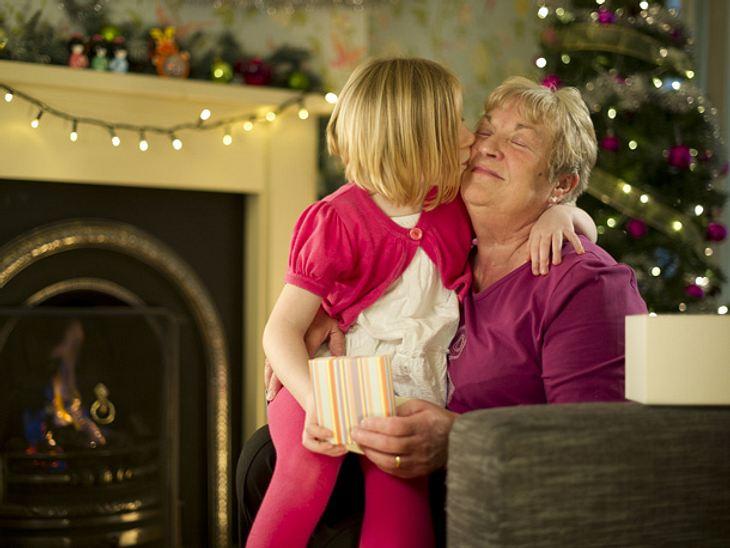 Tipps und Tricks, um ein Geschenk für Enkel zu finden geben wir Ihnen hier.