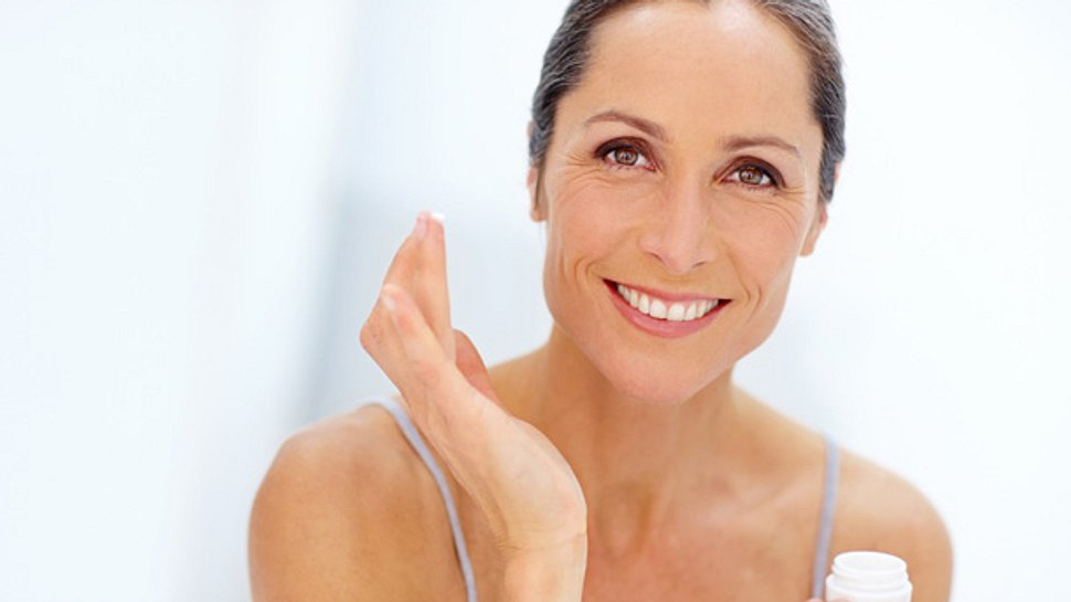 Gesichtspflege ab 50: Was Sie über reife Haut wissen sollten