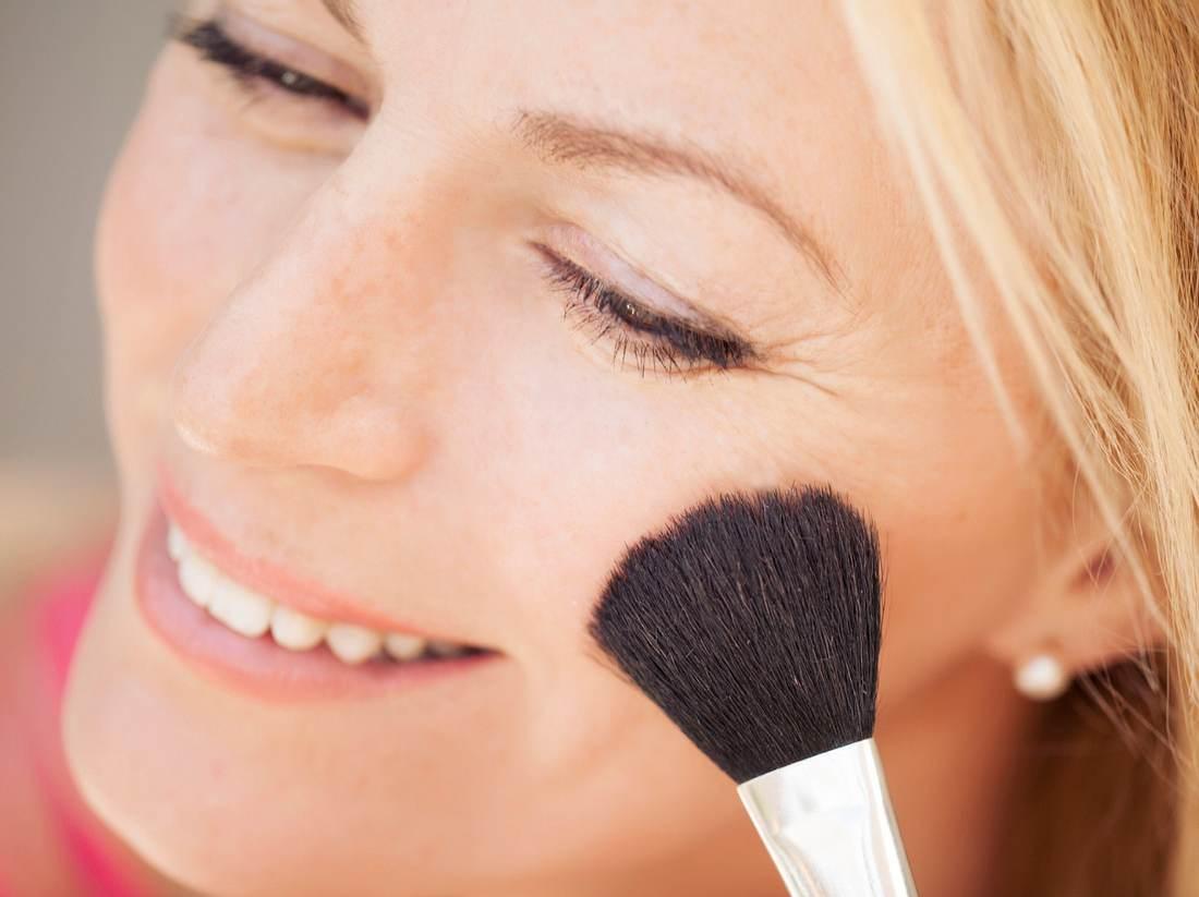 Die richtigen Gesichtspuder für ihre Haut