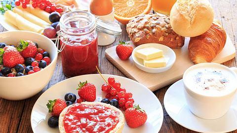 Gesundes Frühstück zum Abnehmen - Foto: juefraphoto / iStock