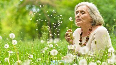 Gehirntraining: Konzentration verbessern mit Hilfe der Pusteblume - Foto: RuslanGuzov / iStock