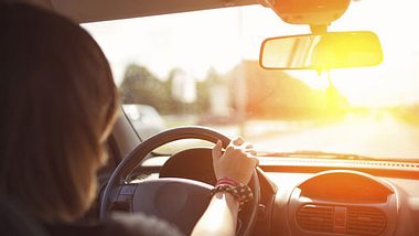 Reaktionsfähigkeit im Straßenverkehr ganz einfach trainieren - Foto: SrdjanPav / iStock