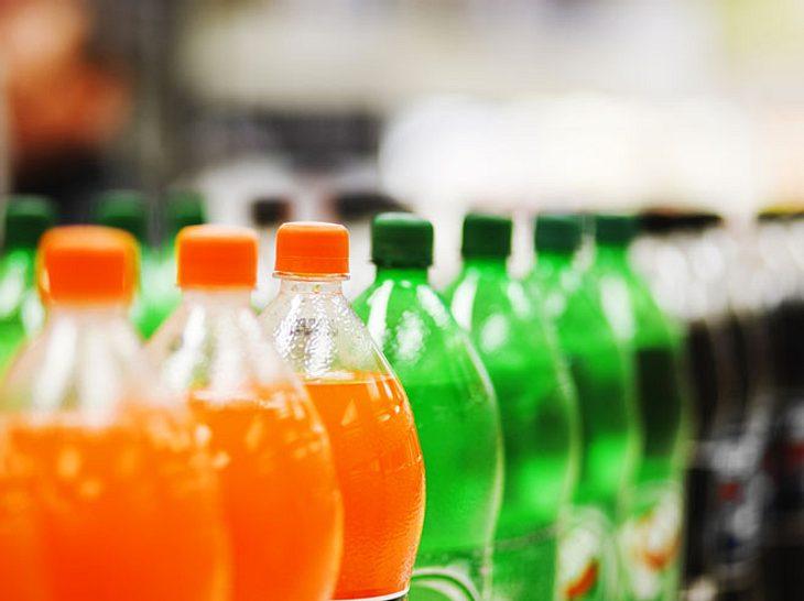 Die in Light-Getränken enthaltenen künstlichen Süßstoffe könnten das Schlaganfall- und Demenz-Risiko erhöhen.