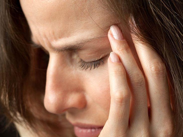 Lesen Sie hier, was Sie selbst bei Migräne tun können.