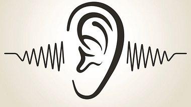 Wir zeigen auf, was Sie gegen Tinnitus tun können. - Foto: Vicgmyr / iStock
