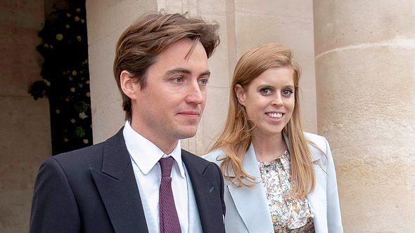 Prinzessin Beatrice und ihr Ehemann Edoardo Mapelli Mozzi bei der Hochzeit von Jean-Christophe Napoleon. - Foto:  Luc Castel/GettyImages