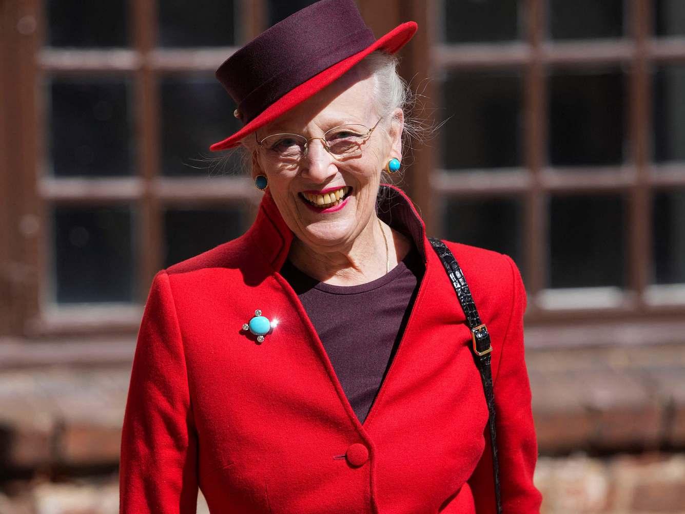 Königin Margrethe strahlt bei ihrem Auftritt am 23. April 2021.