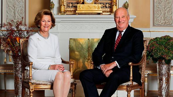 Königin Sonja und König Harald kämpften für ihr Glück. - Foto:  LISE AASERUD/ GettyImages