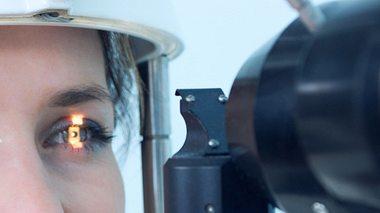 Eine OP kann beim Glaukom helfen - Foto: Denis_prof / iStock