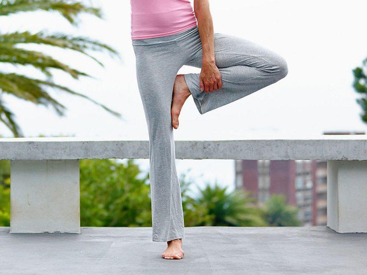 Diese Gleichgewichtsübungen verleihen Ihnen mehr Kraft und Stabilität.