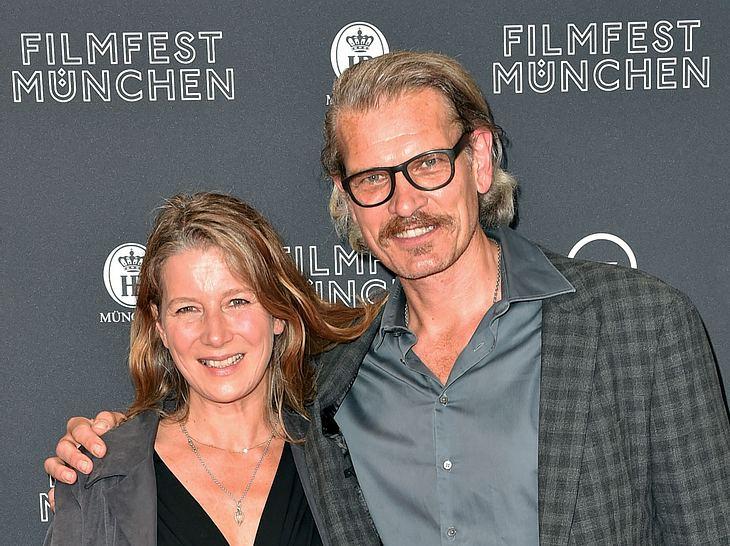 Schauspieler Götz Otto mit seiner Ehefrau Sabine.