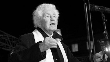 Chor-Dirigent Gotthilf Fischer ist tot.  - Foto: imago images / Oliver Willikonsky
