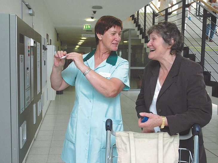 Die Grünen Damen helfen Kranken und Alten in ganz Deutschland.