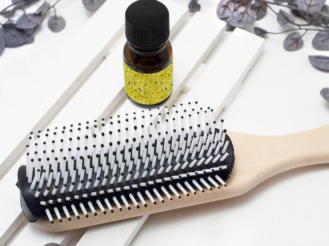 Haarbürste reinigen - in drei Schritten zur sauberen Bürste