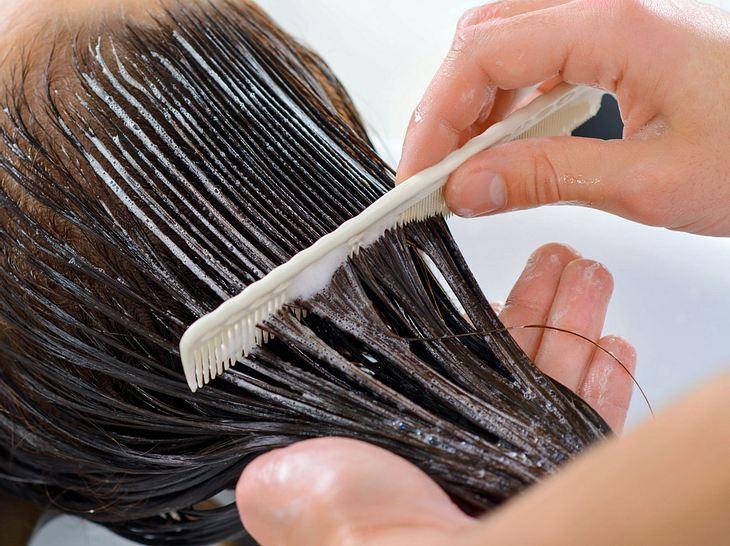 Haare ab 50 brauchen besondere Pflege, gerade im Winter