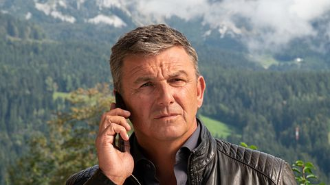 Hans Sigl als Dr. Martin Gruber in Der Bergdoktor.  - Foto:  ZDF / Erika Hauri